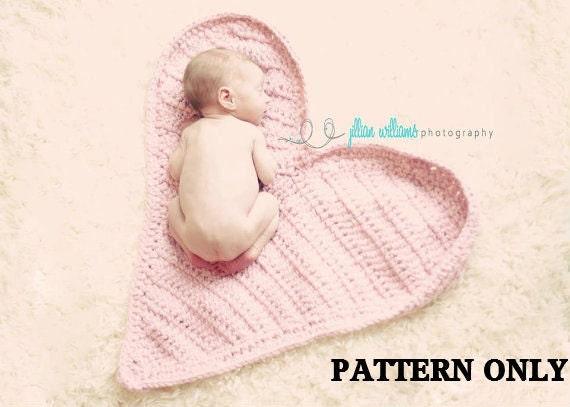 CROCHET PATTERN- Photography Heart Mat - photo prop crochet pattern
