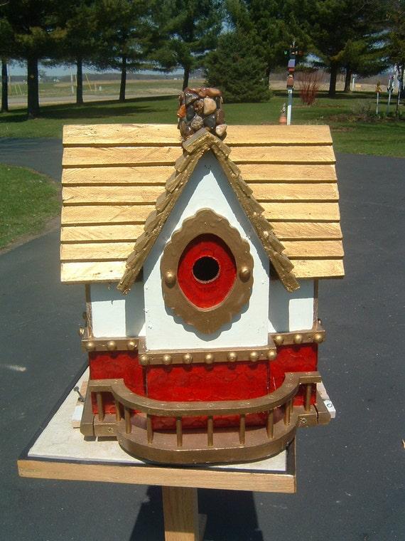 Golden Roof Birdhouse