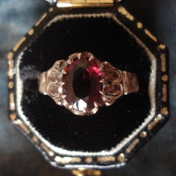 Antique Victorian Garnet Gold Ring