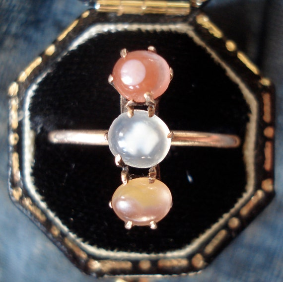 Antique Victorian Tri-Color Agate Ring