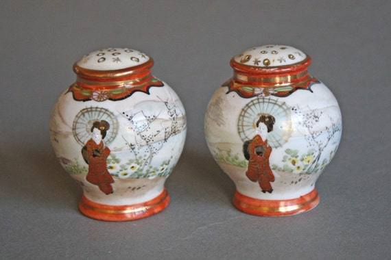 Vintage Geisha Girl Salt & Pepper Shaker / New Cork Stopper