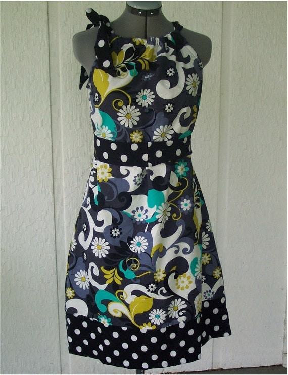 Adult Size PillowCase Dress - Daisy Doodle -  Pick your size 4 through 14