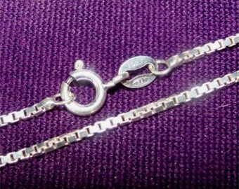 """18"""" Medium to Heavy Weight 028 BOX Chain in STERLING Silver"""