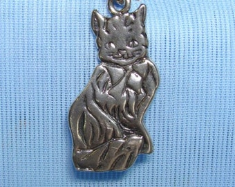 L.O. Sterling Silver PERSIAN Cat Charm