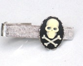 Steampunk SKULL and CROSSBONES - Men's Tie Bar Clip - Antique Silver - Cross Bones - By GlazedBlackCherry