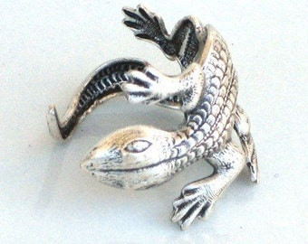 Steampunk - LIZARD RING - Antique Silver - Lizard HUGS Your FInger - Neo Victorian - By GlazedBlackCherry