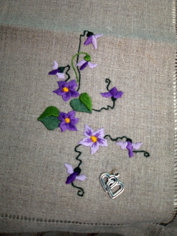 Linen Napkin - Hand embroidery shading technique - Wild pansy flower