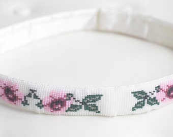S A L E - Pink Pansy Beaded Vintage Belt // Beaded Belt // Flower Belt // White Vintage Belt // Pink Belt // Green Belt //