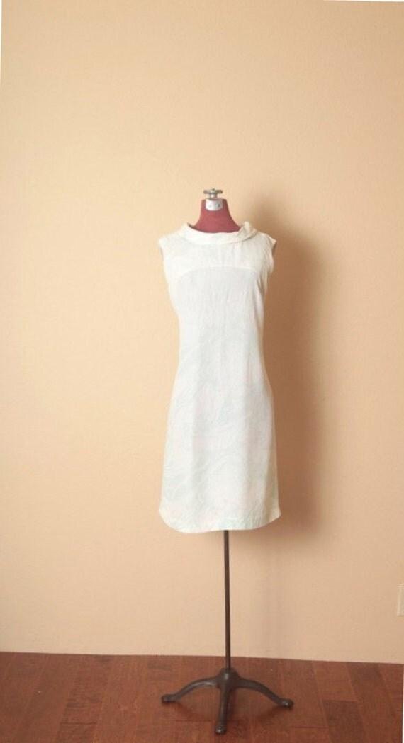 1960's Ocean Tides Aqua & White Vintage Sleeveless Crepe Shift Dress - M