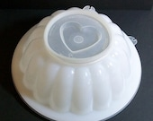 Vintage Tupperware... Jell-O Mold... 3 changeable lids...