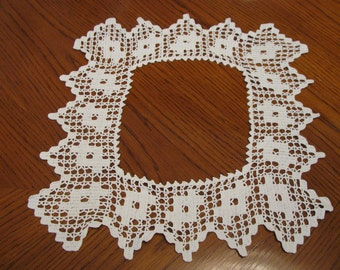Vintage Crochet White Lace Trim, Doily Piece