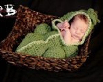 Newborn Photo prop pea pod cocoon photography New