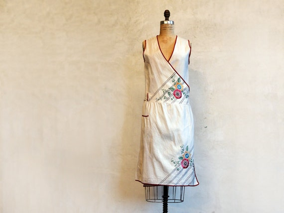 1960s Wrap Dress // Embroidery // Apron Dress