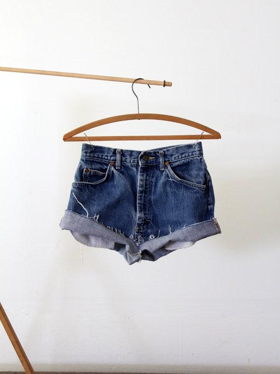 Vintage Lee Cut Offs / 1980s Jean Shorts / Waist 27