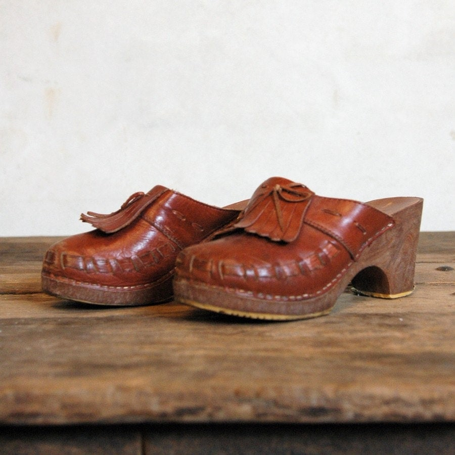 1970s Leather Clogs // Vintage 70s Shoes Womenu0026#39;s 7 By 86Vintage86