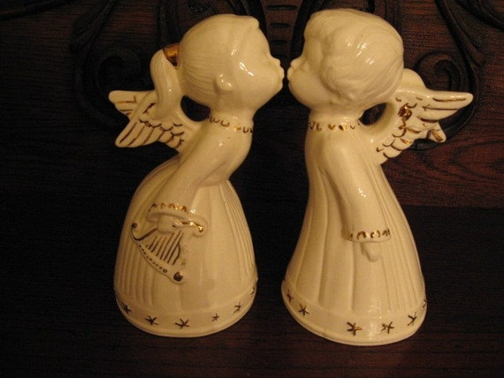 ROMANTIC Large Vintage KISSING couple,  Pr  Angels, ceramic, Valentine gift creamy white, winter tablescape