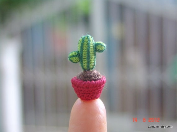 0.8 inch crochet cactus - tiny dollhouse decor miniature plant