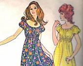 McCall's 2922 Vintage 70s Nightgown Nightie Panties Sewing Pattern B32