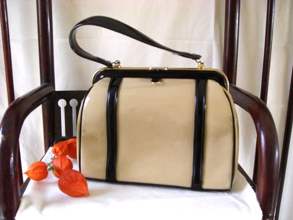 1960s   French  vintage shiny black and cream hand bag