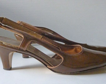 1960s MOD American Girl brown strapped pump