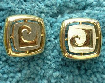 Gold tone Pierre Cardin Cuff links