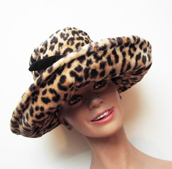Vintage lined fake fur hat