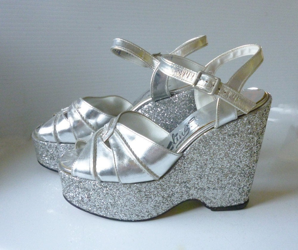 1970 s silver platform shoes size 5