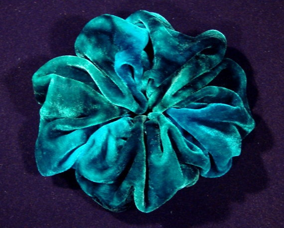 Emerald Green Silk Velvet Scrunchie