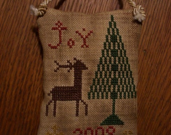 """1st in series- """"2009"""" Christmas pillow ornament"""