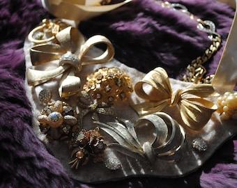 Vintage Jewelry Bib Statement Necklace