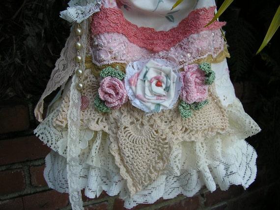 PRETTY Floral Bag, shabby chic lace vintage doily crochet
