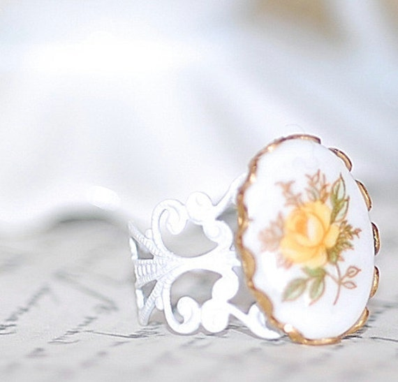 Vintage Yellow Rose Cameo Cameo Ring  Glass  vintage bridal brides shabby Chic old hollywood