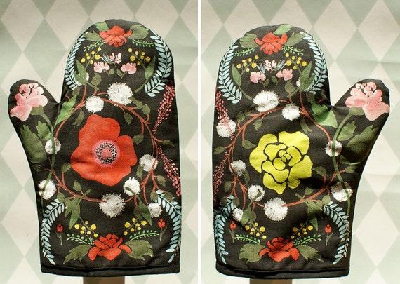 Language of Flowers oven mitt