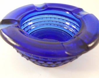 Vintage Beautiful Royal Blue Round Patterned Glass Ashtray Collectible