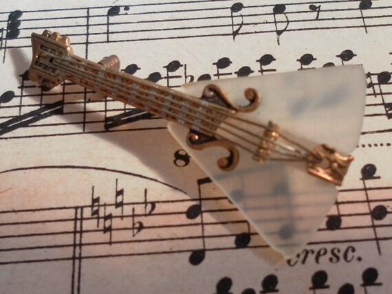 Vintange Unusual  Metal  and Mother of Pearl guitar Sweet   Pin