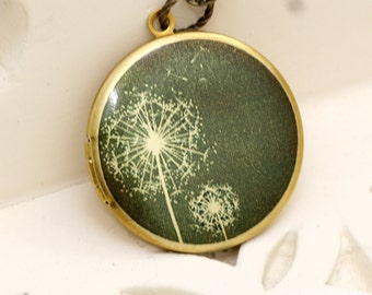 Locket,Jewelry Gift, Necklace,Dandelions Locket,Image locket,picture locket, brass locket