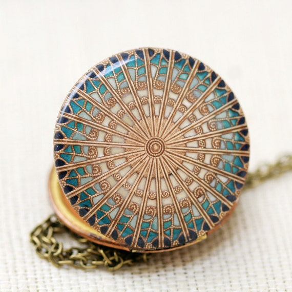 Resin Locket,Blue Locket,vintage style brass resin filigree locket ,Wedding Necklace,Bridesmaid Necklace,bridesmaid gift locket