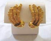 Vintage RSK Signed Gold Tone Feather Coral Claw Design Art Deco Clip-On Earrings