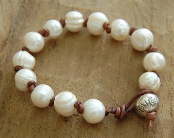 Pearl on Brown Leather Bracelet