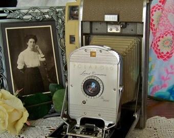 Vintage Polaroid Land Camera Model 800 Retro Camera Photographer Camera Collector 1960s