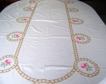 Vintage Tablecloth Hand Embroidered Shade of Pink Vintage Linen Banquet Table Wedding Table Vintage 1960s