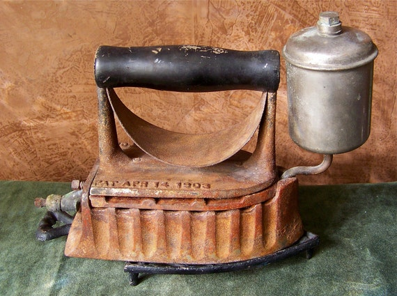 Old Steam Iron ~ Antique gas iron the monitor white powered clothes