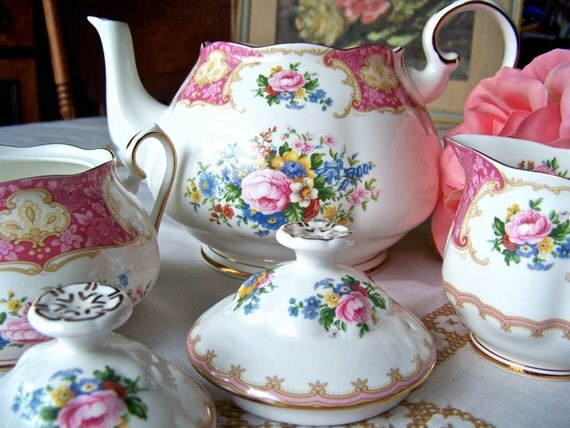 Royal Albert Tea Set Lady Carlyle Pattern 1944