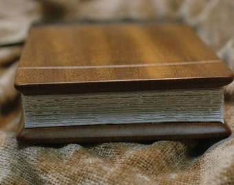 Leather journal with Honduran Mahogany panels and Hemp paper
