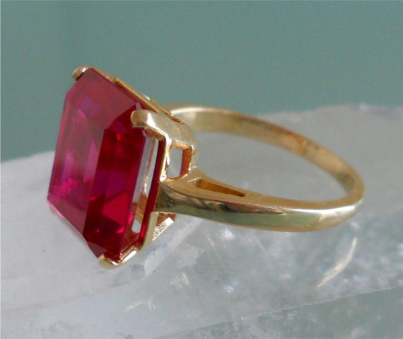 14k Ruby Ring - Size 8.25
