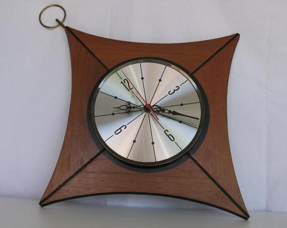 Vintage Elgin Wall Clock Diamond Shape