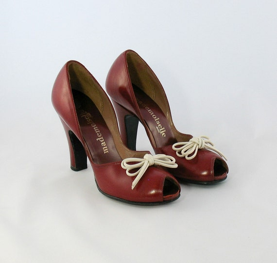 Vintage 1940s Cherry Red Peep Toe Shoes