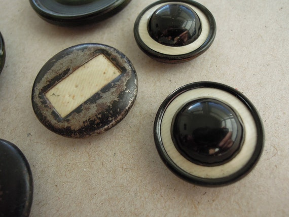 Atq lot of Deco Metal and Celluloid Tight Top Buttons 6