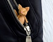 bad ass alley cat - felt brooch pin