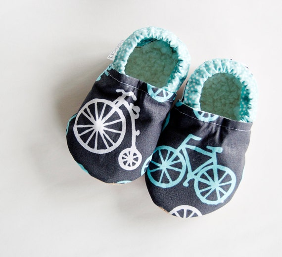 Pedal Pusher Bicycle Bison Booties 0 to 6 Months Newborn size 1 baby mocs
